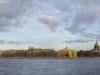 Вид на Дворцовую набережную в Санкт-Петербурге