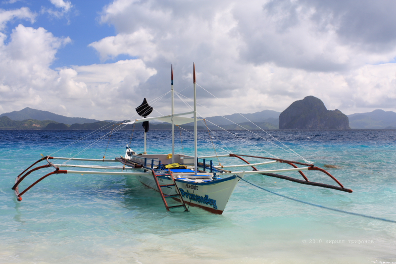 Лодка из Эль Нидо в Бусуангу