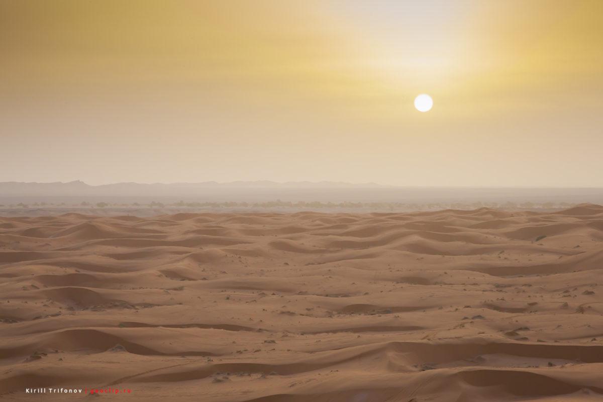 Сахара у деревни Мерзуга в Марокко