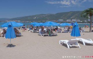 Песчаный пляж 2к19 в Геленджике
