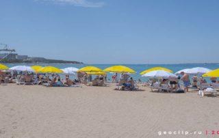 Центральный городской песчаный пляж в Геленджике