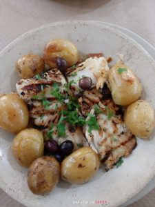 Обед - рыба и картошка