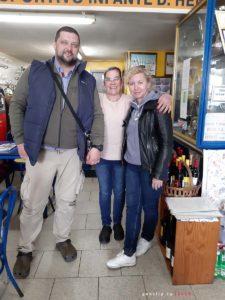 Кафе Grupo Desportivo Infante D. Henrique - фото с хозяйкой