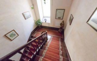 Alegre Hotel в Лузо - лестница на 2й этаж