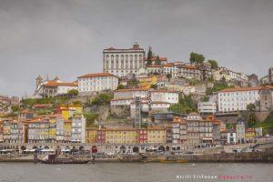 Набережная реки Дуэро в Порто