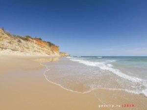 Пляж Porto de Mos Beach