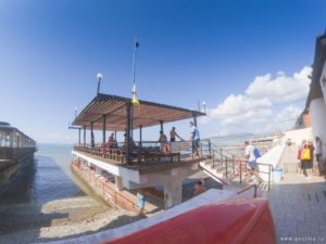 Галечный пляж профилактория «Эдельвейс»