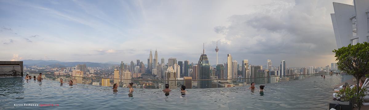 бассейн на крыше в Апартаменты BEST KL City View at Regalia Residence