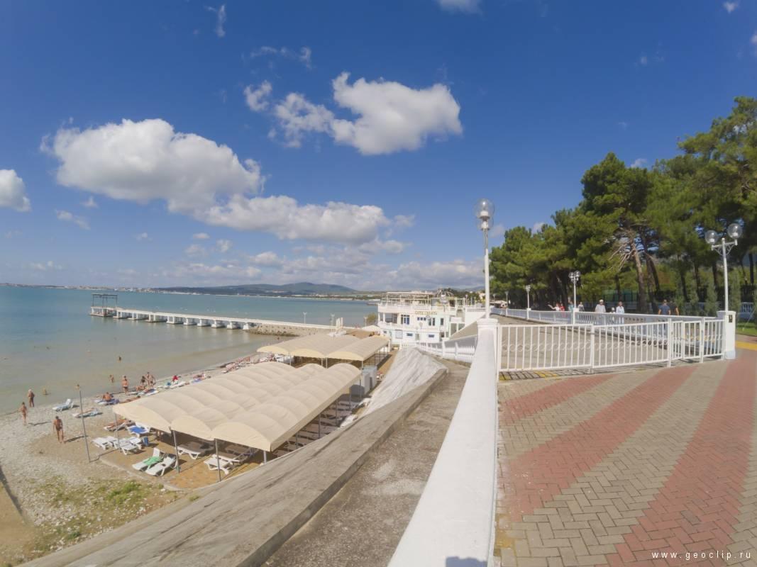 Галечный пляж пансионата «Кавказ»