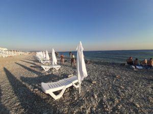 Галечный пляж Торик