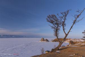 Байкал - скала Шаманка в поселке Хужир на острове Ольхон