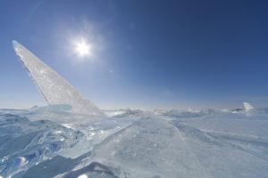 Байкал - торосы вдоль северного берега Малого Моря