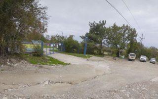 Парковка возле очистных сооружений в Кабардинке